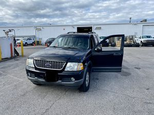 2004 Ford Explorer w/ 190k for Sale in Calverton, MD