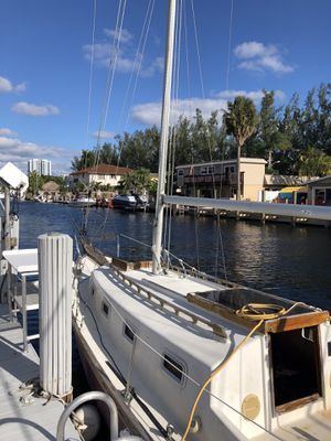 Glander Cay 23 Sailboat (26.5 overall length) for Sale in Hillsboro Beach, FL