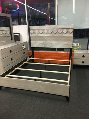 QUEEN 4 PIECE BED ROOM SET for Sale in Modesto, CA