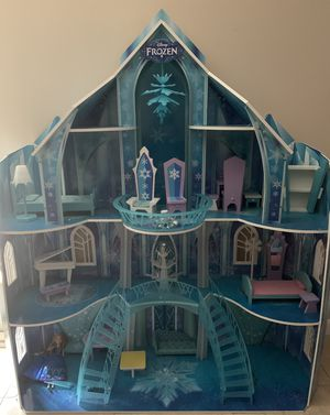 FROZEN DOLL HOUSE for Sale in Port St. Lucie, FL