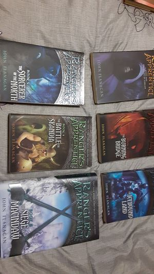 John flanagan's ranger apprentice books 1-6 for Sale in San Antonio, TX