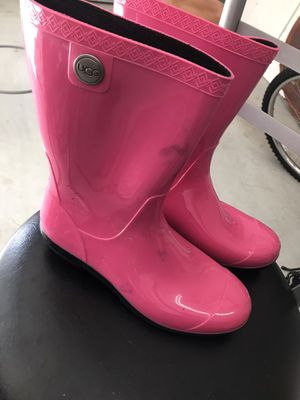 UGS Rain boots (pink) for Sale in Alafaya, FL