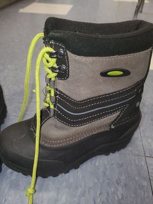Kids snow boots for Sale in Norwalk, CA