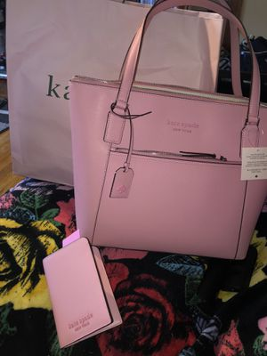 $350 OBO Kate spade tote and wallet never used with tags for Sale in Cleveland, OH