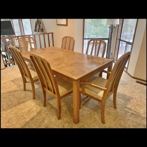 Dining Table And 6 chairs for Sale in Bend, OR