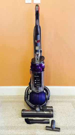 Dyson DC25 Vacuum Cleaner for Sale in Tacoma, WA