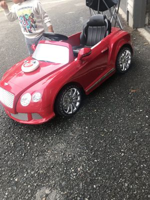 Bentley power wheel kids ride on remote control car for Sale in Bellevue, WA