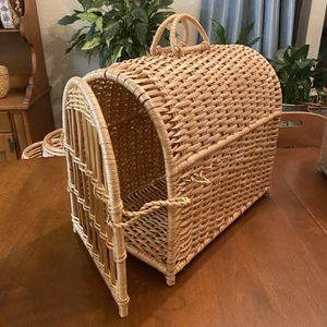 Wicker Pet Carrier for Sale in Puyallup, WA