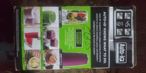 Ninja blender 1000 watts 16oz cup 24 oz cup and 32 oz cup for Sale in Detroit, MI