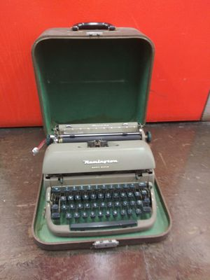 Vintage Remington Quiet Riter ONLY $45 for Sale in Ontario, CA
