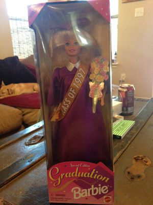 Barbie graduation class of 1997 special edition for Sale in Richmond, TX