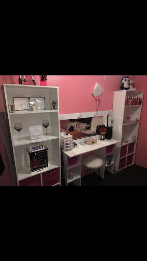Makeup room vanity setup for Sale in Lawrence, MA