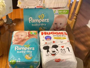 Over 200 Size 1 Baby Diapers 8-14lbs for Sale in St. Louis, MO