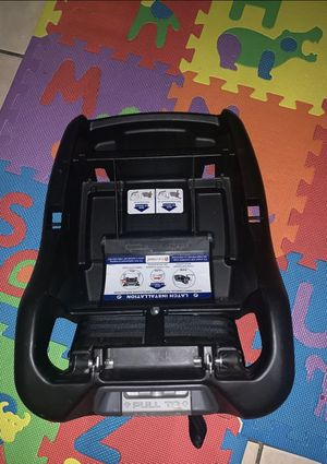 Baby trend car seat base for Sale in Arlington, TX