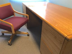 Steelcase Solid Oak Desk for Sale in Harvey, MI