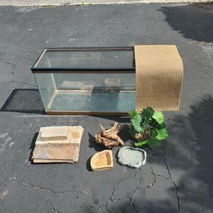 Reptile Tank Setup (30 Gallon) for Sale in Fort Lauderdale, FL