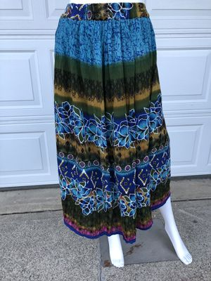 🌺🌺 size small adorable skirt 🌺🌺 for Sale in Spokane Valley, WA