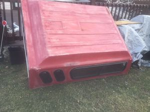 Cap 6' foot feet a Mazda b2300 or Ford Ranger for Sale in Cleveland, OH