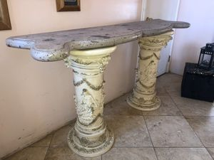 Sturdy old fashion table for Sale in Monterey Park, CA