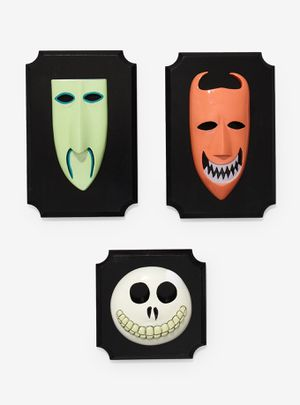 THE NIGHTMARE BEFORE CHRISTMAS OOGIE'S BOYS LOCK SHOCK & BARREL MASKS WALL PLAQUES DISNEY DISNEYLAND✨ for Sale in Moreno Valley, CA