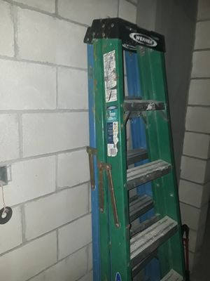 8 ft ladder for Sale in San Antonio, TX