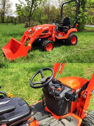 New tracks Kubota $1OOO Cylinders 4 Impeccable for Sale in Fremont, CA