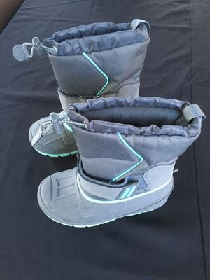 Snow boots kids size 13 new for Sale in Santa Fe Springs, CA