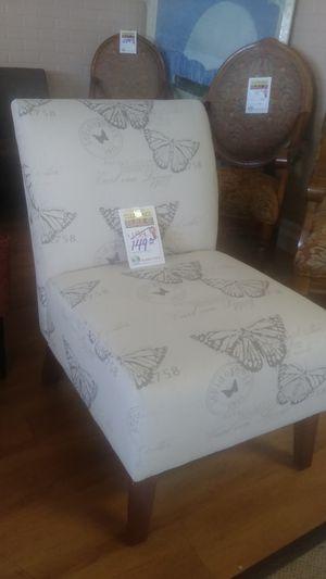 Acent chair for Sale in Phoenix, AZ