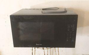 Magic Chef Black Countertop Microwave 1.1 Cu Ft for Sale in Riverside, CA