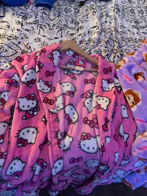 Sofia the first and hello kitty night robe, for Sale in Dumfries, VA