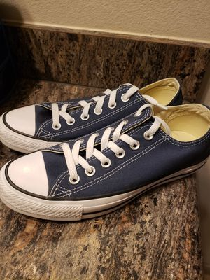 Barely used womens size 7.5 mens 5.5 navy converse for Sale in Houston, TX