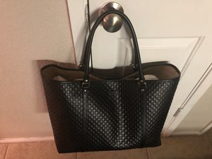 Large Gucci Tote for Sale in Oaklandon, IN