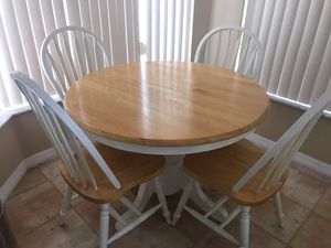Kitchen eat-in dinette oak wood table with four chairs for Sale in Miramar, FL