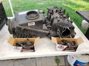 Chevy 5.3l V8 Intake Manifold, Intake Air Box, and ignition coils/packs OEM for Sale in Cicero, IL