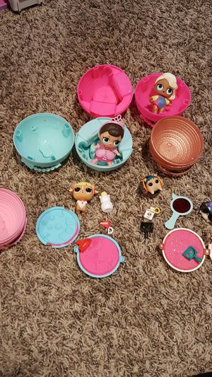 2 LOL dolls and 2 LOL pets for Sale in Bothell, WA