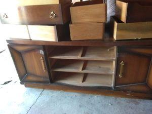 Vintage Wooden Dresser in excellent shape! for Sale in Hamtramck, MI