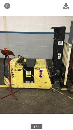 4000lb electric forklift for Sale in Allen Park, MI