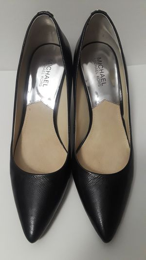 Super gorgeous Size 9M Michael Kors pumps. These shoes will be the talk of the party. As you can see they are in EXCELLENT condition. Wore once. for Sale in Dallas, TX