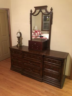 Full bedroom set for Sale in Buckley, WA