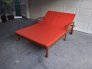 Outdoor patio chaise lounge chair for Sale in Simi Valley, CA
