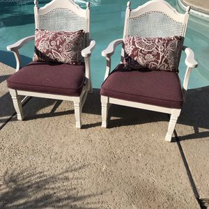Shabby Vintage Pair Of Lounging Comfy Arm Chairs Wide Seating for Sale in Fresno, CA
