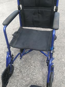 REDUCED....TRANSPORT WHEELCHAIR. (SANITIZED) for Sale in Cape Coral,  FL