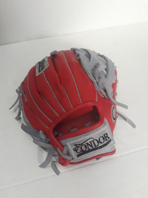 Baseball softball gloves CONDOR for Sale in Vernon, CA