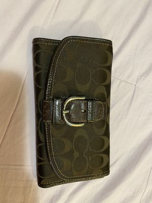 Brown coach wallet for Sale in San Francisco, CA