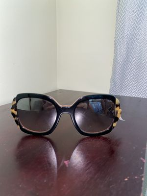 Woman's Prada sunglasses for Sale in Gaithersburg, MD
