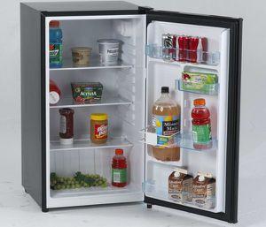 Mini Refrigerator 3.2 Cu Ft Counter high Avanti Black Automatic Defrost Nevera Frío Neverita Negro AR321BB for Sale in Miami, FL