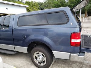 Truck bed camper good condition all windows and lights work for Sale in Tampa, FL