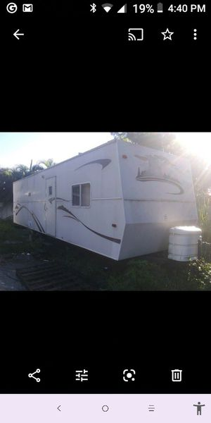 2006 Holiday Rambler Park Model Travel Trailer for Sale in Cape Coral, FL