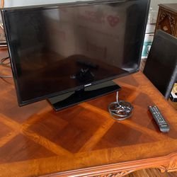 "32"" Samsung TV for Sale in Oak Harbor,  WA"