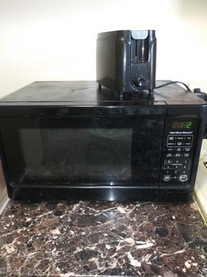 Microwave & Toaster for Sale in Cleveland, OH